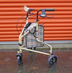 3 Wheels with large plaid canvas bag Image