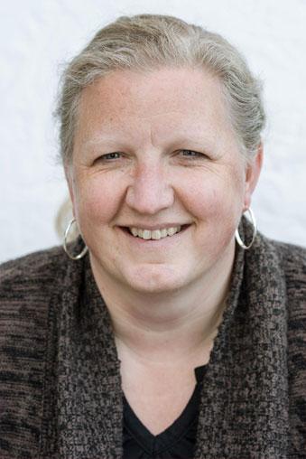 Colleen Loewen headshot